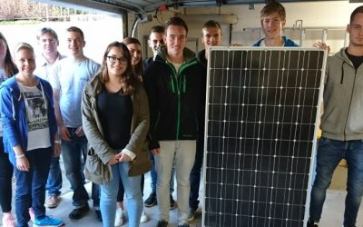 Technisches Gymnasium Balingen: Techmaster spendet Photovoltaik-Module