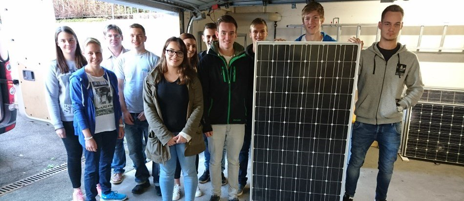 Technisches Gymnasium Balingen: Techmaster spendet Photovoltaik-Module