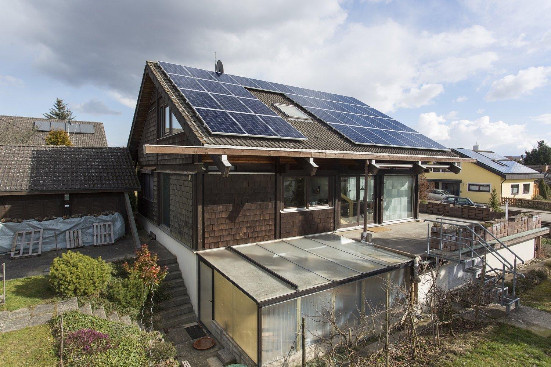 Photovoltaikanlage mit Leistung bis 9,89 kW und Wärmepumpe in Hechingen