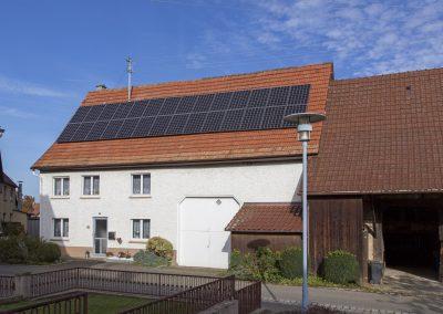 Energetische Sanierung mit Photovoltaikanlage und Wärmepumpe in Bisingen