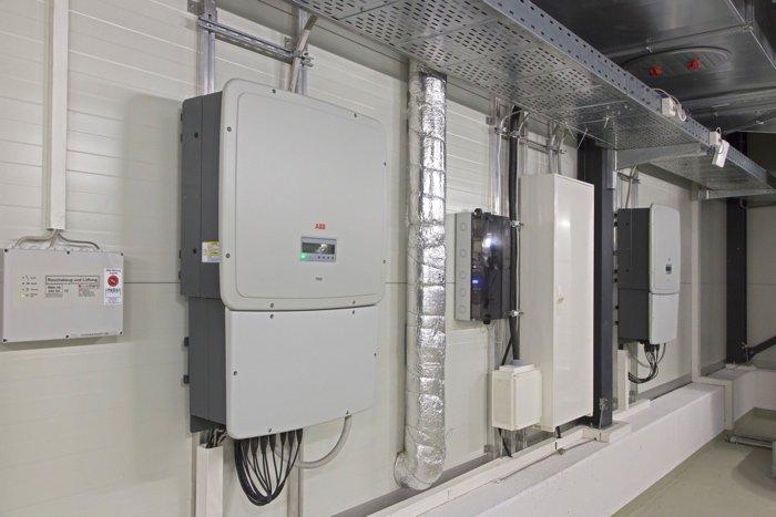 Zwei Wechselrichter von ABB im Zollernalb Klinikum Balingen