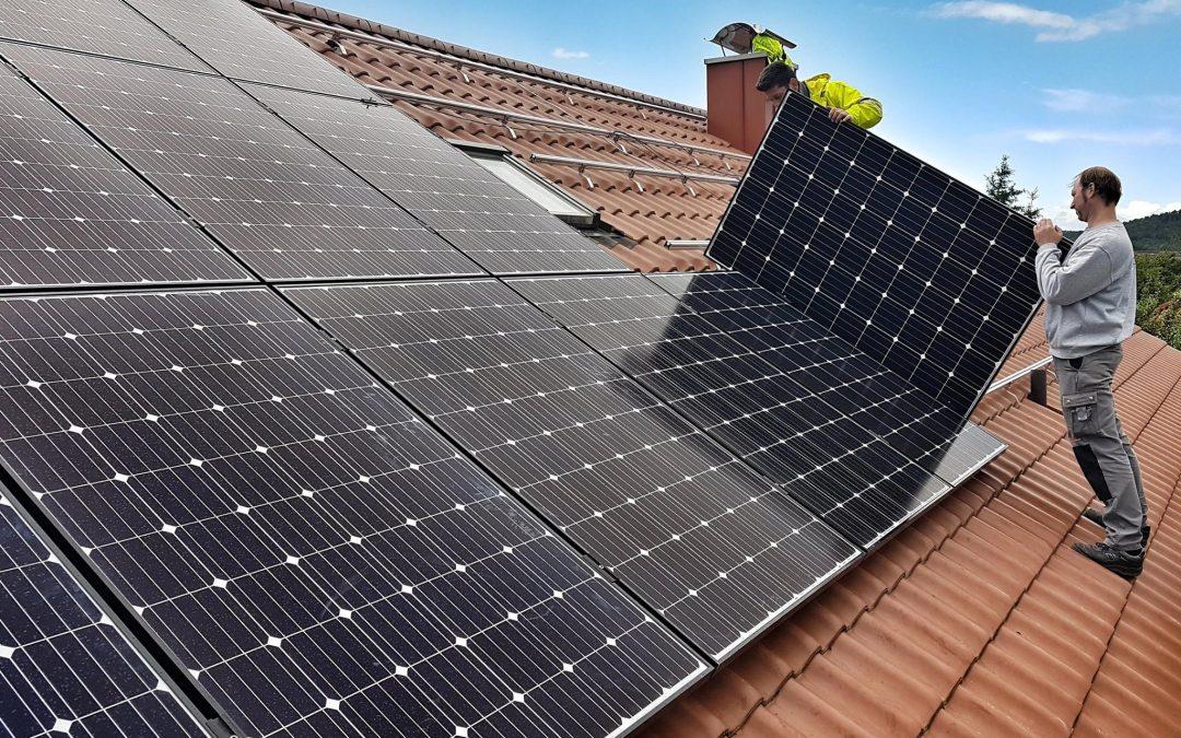 Wie funktioniert eine Photovoltaikanlage mit Stromspeicher?