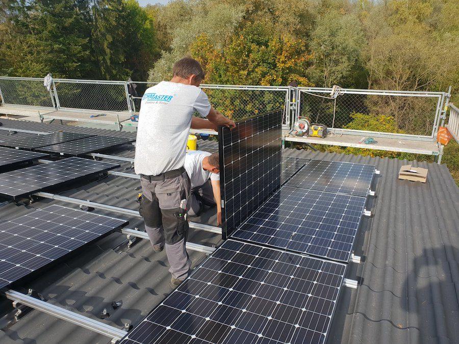 Photovoltaikanlage Mössingen, geringe Dachneigung, Braas Modulstützen