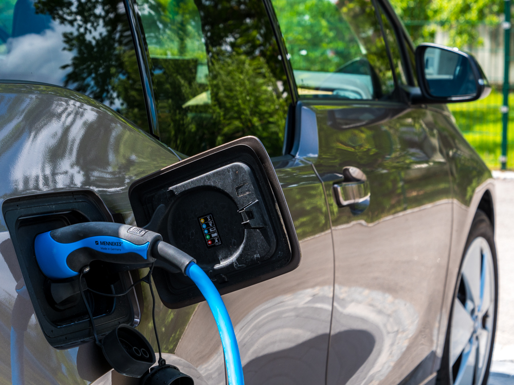 Mennekes-Wallbox für Elektroauto in Kombination mit Photovoltaikanlage