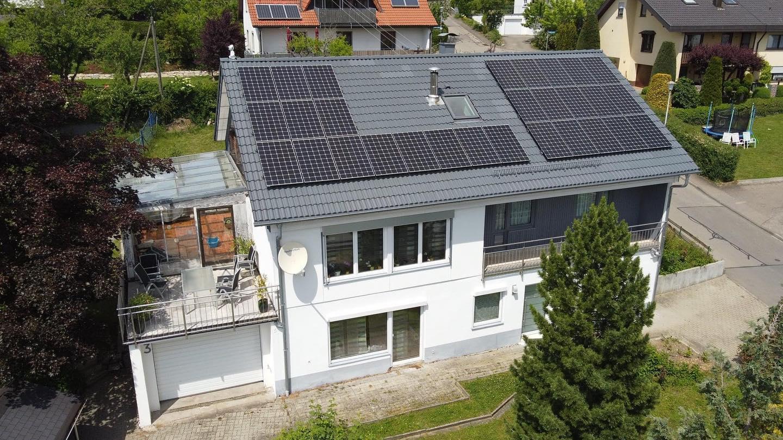 Photovoltaikanlage auf Einfamilienhaus in Bisingen-Steinhofen
