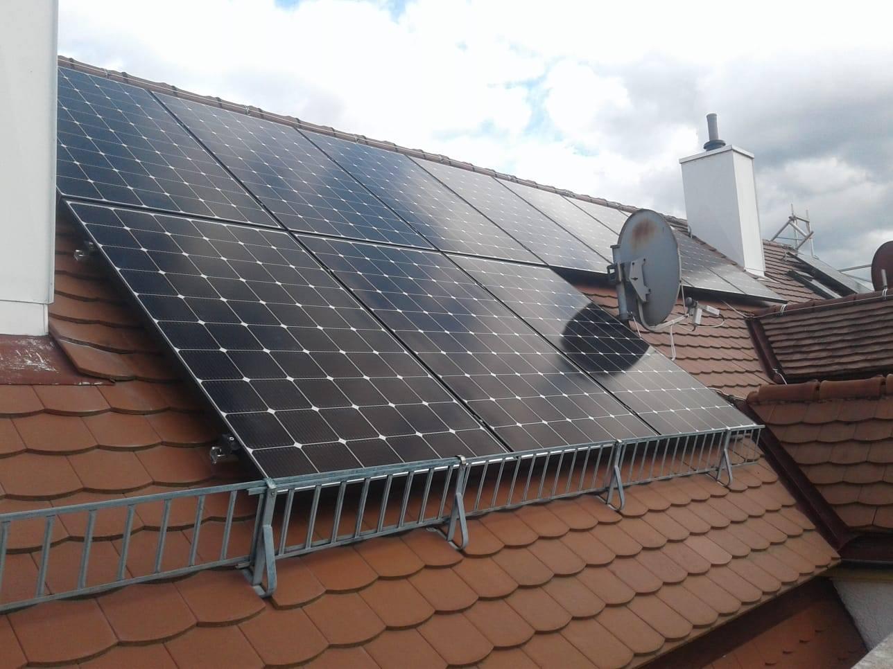 Photovoltaikanlage in Stuttgart-West Biberschwanz-Dach