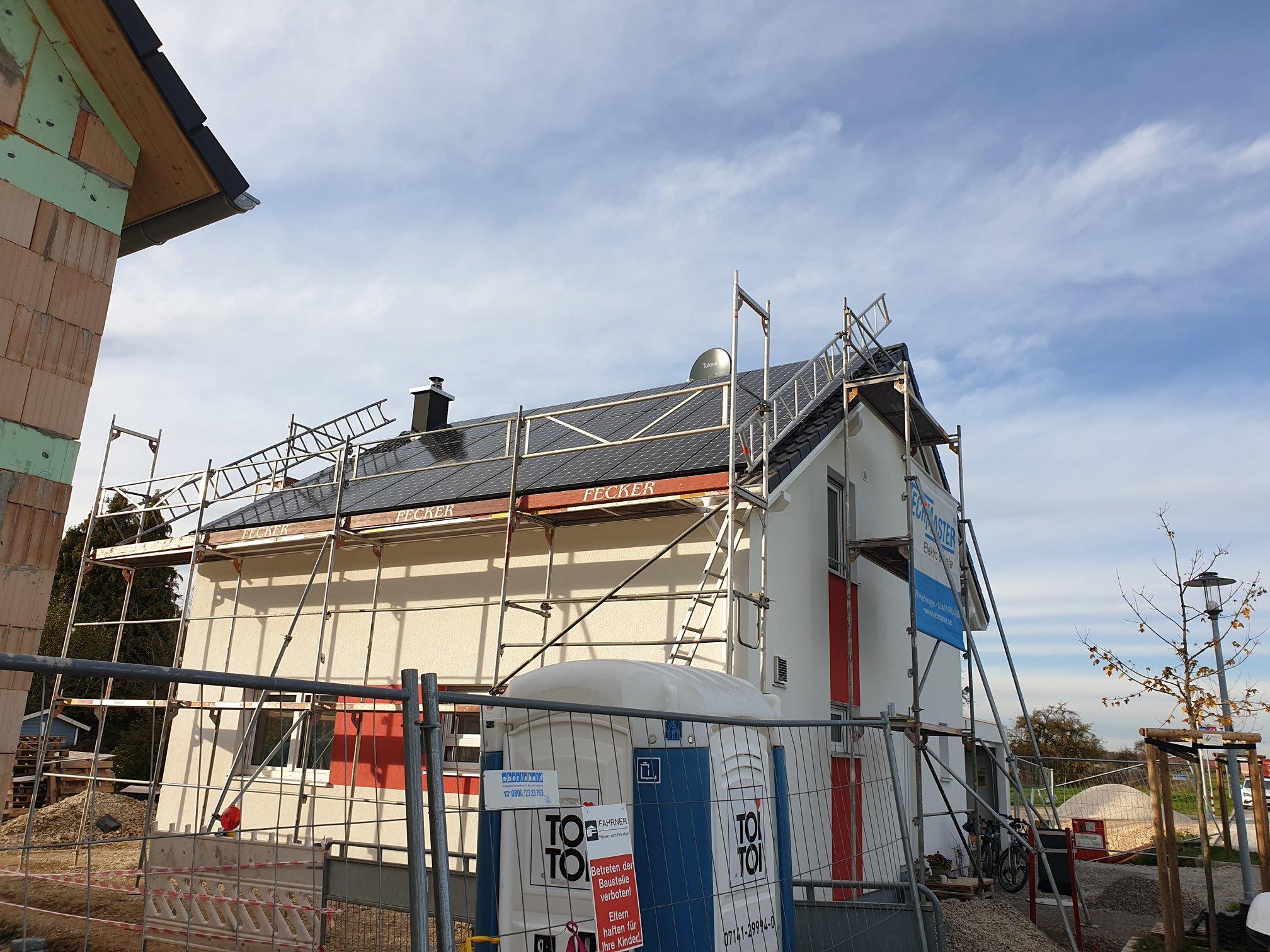 Photovoltaikanlage auf Einfamilienhaus in Pliezhausen